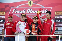 Марк Жене, тестовый пилот Ferrari на подиуме