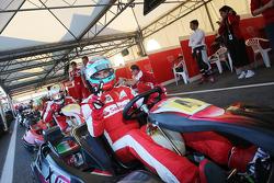 Andrea Bertolini, piloto de Ferrari