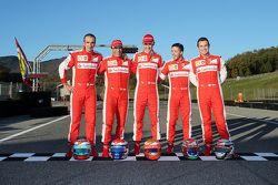 Da sinitra a destra: Andrea Bertolini collaudatore Ferrari, Marc Gene, collaudatore Ferrari, Esteban