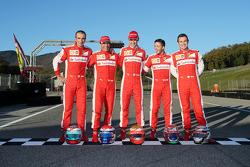 (Izq a Der): Andrea Bertolini piloto Ferrari, Marc Gene, piloto Ferrari, Esteban Gutierrez, piloto F
