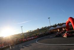 #117 Scuderia Praha Ferrari 458: Dusan Palacr e #198 AF Corse: Eric Cheung fuori pista dopo un conta