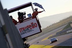 #238 The collection Ferrari 458: Gregory Romanelli passe la ligne d'arrivée