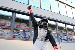 #238 The collection Ferrari 458 : Gregory Romanelli fête sa victoire dans le parc fermé