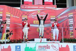 Coppa Pirelli NA, le podium : le vainqueur #238 The collection Ferrari 458 : Gregory Romanelli, le deuxième #277 Ferrari of Quebec Ferrari 458 : Emmanuel Anassis, et le troisième #259 Ferrari of Fort Lauderdale Ferrari 458 : John Farano