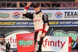 Ganador de la carrera Brad Keselowski, Team Penske
