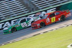 Kevin Harvick, JR Motorsports Chevrolet e Harrison Rhodes, JD Motorsports Chevrolet