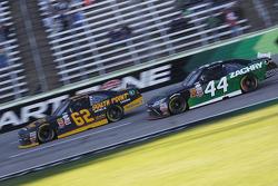 Brendan Gaughan, Richard Childress Racing Chevrolet e David Starr, TriStar Motorsports Toyota