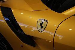 تقديم سيارة فيراري اف12تي دي اف خلال حدث فيراري فينالي مونديالي