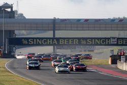#192 Kessel Racing Ferrari 458: Жак Дайвер вырывается в лидеры