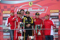 Подиум кубка Shell: первое место и чемпион мира кубка Shell #181 Ineco - MP Racing Ferrari 4548: Эри