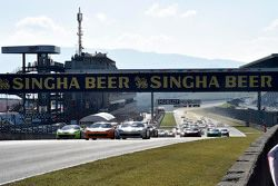 Départ de la Course 1 de Coppa Shell : #180 Kessel Racing Ferrari 458 Italia : Gautam Singhania mène