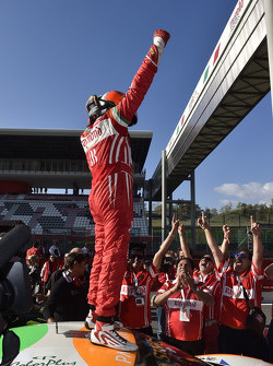 Race 1 Coppa Shell: winner #180 Kessel Racing Ferrari 458 Italia: Gautam Singhania
