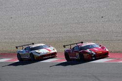 #8 Rossocorsa - Pellin Racing Ferrari 458: Dario Caso in lotta con #84 Octane 126 Ferrari 458: Bjorn