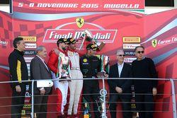 Coppa Pirelli, el podio: primero #55 Scuderia Autoropa Ferrari 458:
