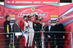 Coppa Pirelli, le podium : le vainqueur #55 Scuderia Autoropa Ferrari 458 :