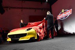 Presentazione della Ferrari F12tdf con Kimi Raikkonen, Ferrari e Sergio Marchionne, Presidente Ferra