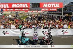 Чемпион MotoGP Хорхе Лоренсо с обладателями титулов в