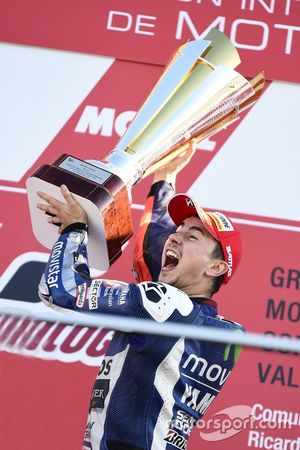 Podium: Winner and 2015 MotoGP Champion Jorge Lorenzo, Yamaha Factory Racing