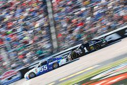 David Ragan, Michael Waltrip Racing Toyota and Jamie McMurray, Chip Ganassi Racing Chevrolet