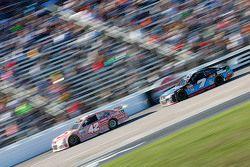 Kyle Larson, Chip Ganassi Racing Chevrolet and Alex Bowman, Tommy Baldwin Racing Chevrolet