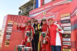 Podio Coppa Shell: winner and Coppa Shell Champion #181 Ineco - MP Racing Ferrari 4548: Erich Prinot