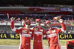 Pilotos de Scuderia F1 Sebastian Vettel, Kimi Raikkonen y Esteban Gutiérrez, Ferrari Piltos de Prueb