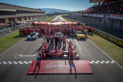 Ferrari Finali Mondiali retratos de familia con los pilotos de la Scuderia F1 Sebastian Vettel y Kim