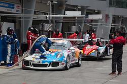 #51 KCMG Porsche 911 GT3 Cup: Paul Ip, Christian Ried, Dan Wells