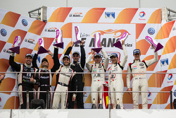 LMP3 podium: winners David Cheng, Ho-Pin Tung, Thomas Laurent, second place Alex Kapadia, Masataka Y