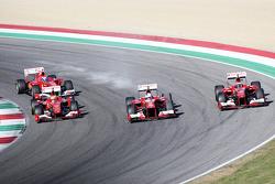 Da sinistra a destra: Marc Gene, collaudatore Ferrari, a bordo della F10, Esteban Gutierrez, collaud