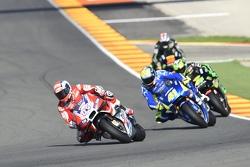 Andrea Dovizioso, Ducati Team e Aleix Espargaro, Team Suzuki MotoGP and Pol Espargaro, Tech 3 Yamaha