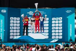 Podio: secondo Sam Bird, DS Virgin Racign Formula E Team, primo Lucas di Grass, Abt Schaeffler Audi