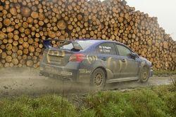 La Subaru STI di David Higgins al Rally del Galles