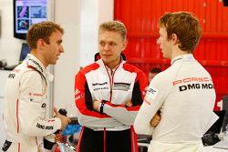 Timo Bernhard, Kevin Magnussen, Oliver Turvey, Porsche Team