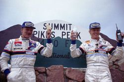 Kazanan Ari Vatanen, Peugeot 405 Turbo 16 ve ikinci Juha Kankkunen, Peugeot 405 Turbo 16