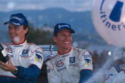 Les vainqueurs Gilles Panizzi et Hervé Panizzi, Peugeot Sport Peugeot 206 WRC