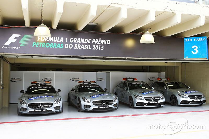 Safety Cars e Medical Cars no paddock do GP Brasil de F1 de 2015