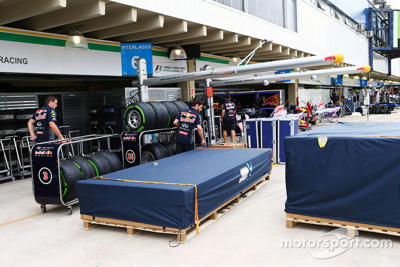 Red Bull Racing unpack their freight in the pits