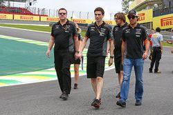 سيرجيو بيريز، فورس انديا يسير على الحلبة مع الفريق