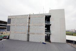 بناء بادوك جديد للحلبة