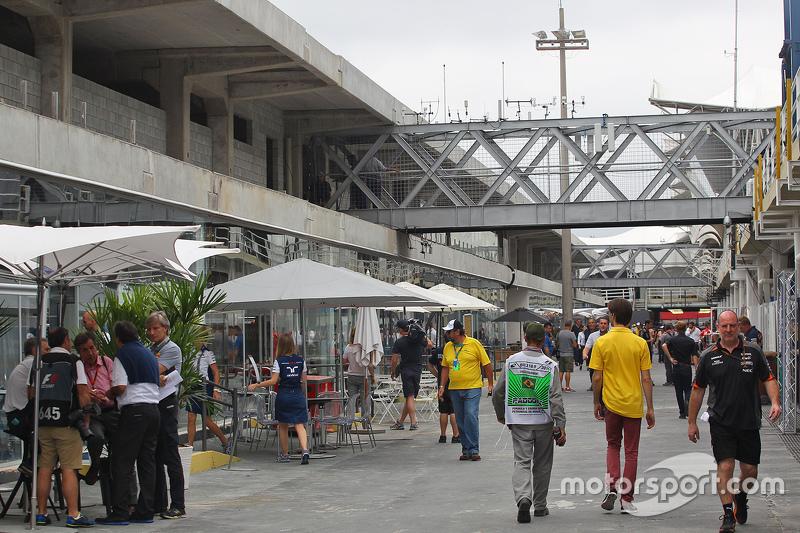 Novo paddock do Autódromo de Interlagos - ainda em reforma