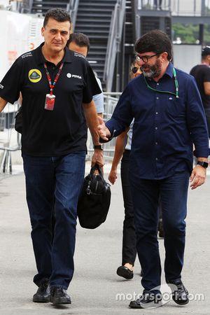 Federico Gastaldi, Lotus F1 Team, stellvertretender Teamchef, mit Manager Luis Garcia Abad