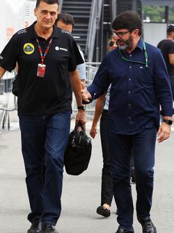 Федерико Гастальди, руководитель команды Lotus F1 и Луис Гарсия Абад, менеджер пилота