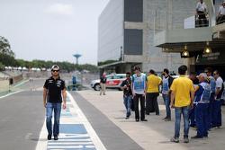 Серхио Перес, Sahara Force India F1 в боксах