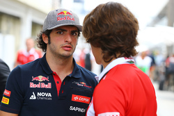 Carlos Sainz Jr., Scuderia Toro Rosso with Roberto Merhi, Manor Marussia F1 Team