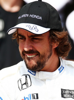 Fernando Alonso, McLaren at a team photograph