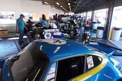 Klasik araçlar garajda
