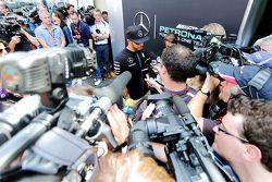Lewis Hamilton, Mercedes AMG F1 avec les médias
