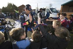 Sébastien Ogier, Volkswagen Motorsport, mit jungen Fans