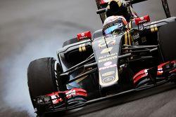 Romain Grosjean, Lotus F1 E23 bloque une roue au freinage